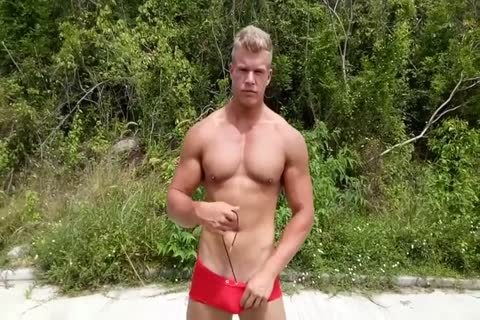 Alexander metallic British Muscle boy - Pool And outdoors