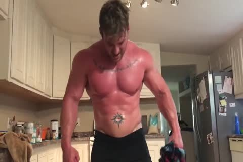 Muscle chap Rips Off clothes