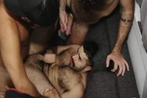 Fur Muscle And sperm 3some 3some