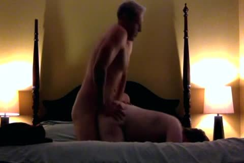 older Hung Top Is banging unprotected A Younger man