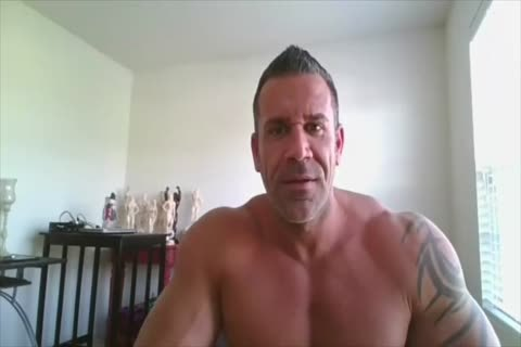 Bodybuilder On cam