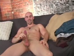 Bald charmingty wanks his wiener