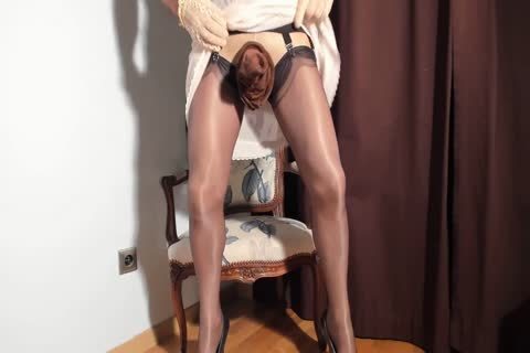 I Love To watch My Clitty Dressed With Nylon nylons