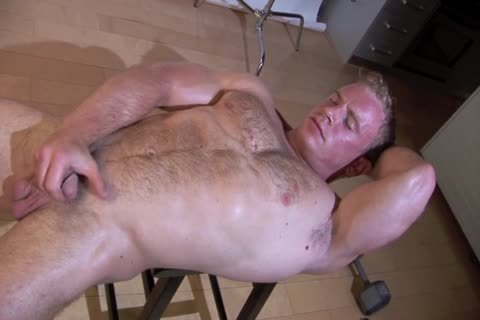lusty Ben Kieren Studio Solo, hairy Muscle