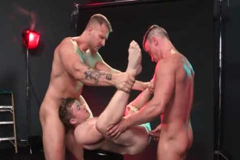 Red dirty Muscle Threeway hammer!
