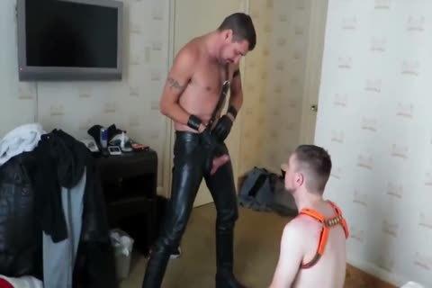 taskmaster bare Leather Motel bang-