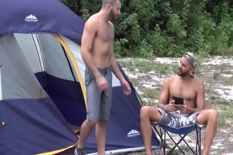 bare Camping