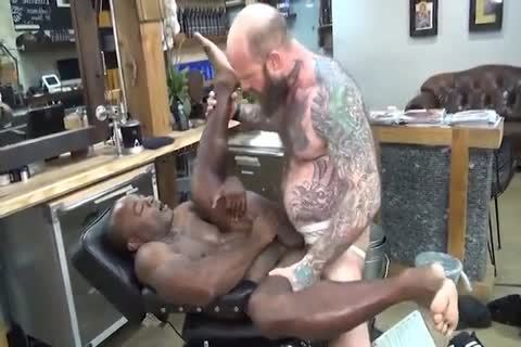 daddy's unprotected Barbershop
