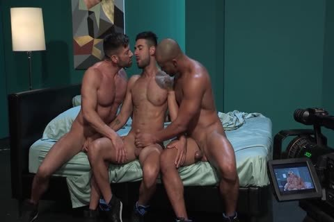 homo Pornstars Bruce Beckham, Jason Vario And Mick Stallone In homo Male Porn Tube clip