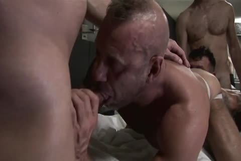 extreme delicious 3some