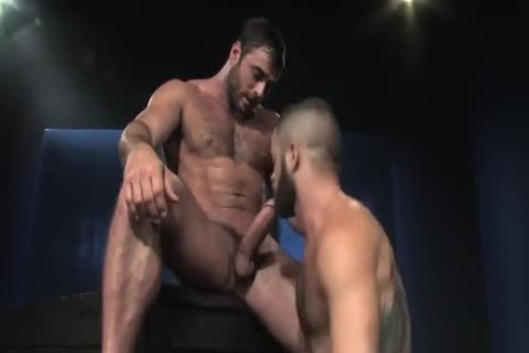 Mike Dozer banging A Bearded Hunk Bottom
