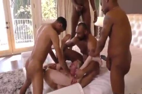 4 biggest black guys On A innocent Blond