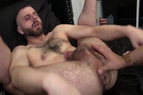 CESAR PUMPS WILLIAM'S enormous booty