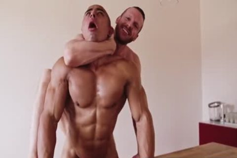 Tim Kruger raw pounds Vicenzo