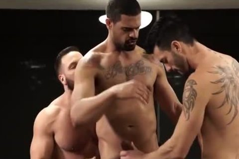 FRANK TYRON-gigantic cock FOR DONATO & ANDY-MACHO man 4