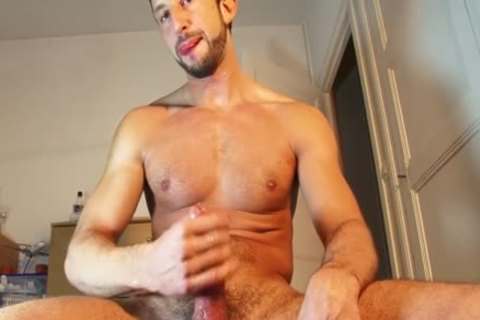 Male Masturbator To Fit Gym Trainer Serviced In Spite Of Him!