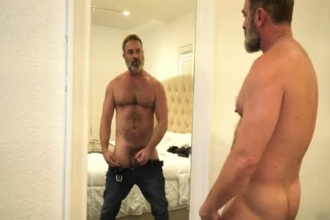 hairy Stepdad plows A juicy twink