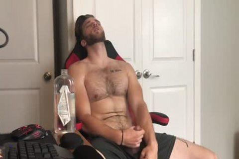 fine Hunk Keeps Cumming