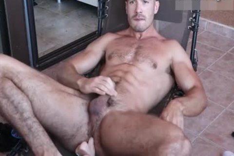 slutty Body Builder Hunk Toying ass On cam