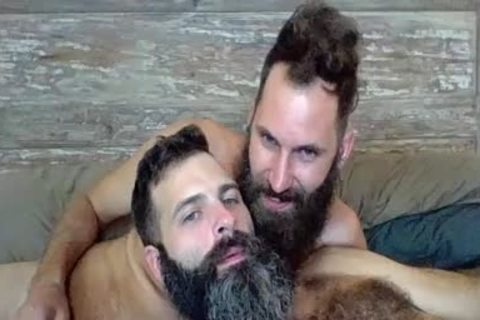 2 Bearded Boyz fucking On Live