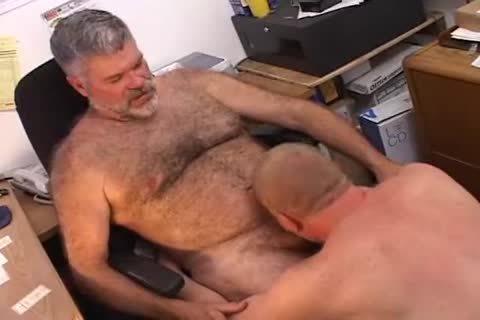 Bear Boss fucked By Mechanic