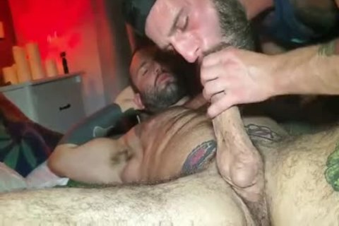 fine Male acquires Fuked By enormous 10-Pounder