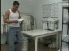 Two lusty men plow In Tthis guy Laundromat