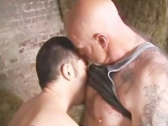 homosexual Bear Makeout Outdoor
